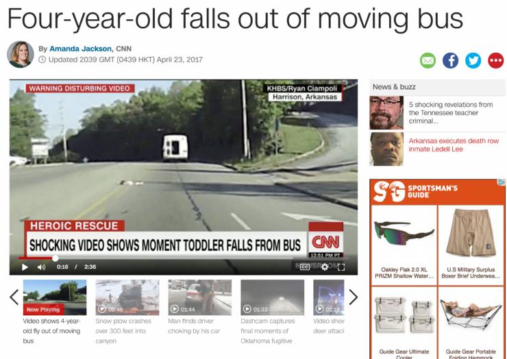 video capta niña cayendo de guagua escolar en movimiento